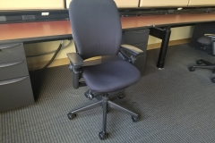 Steelcase Leap v2 black/black 45 available