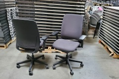 Steelcase Amia Task Chair w/4d arms - 50 available